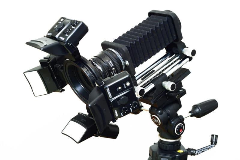un soufflet accompagné d'un objectif 24mm inversé / La Photo Macro